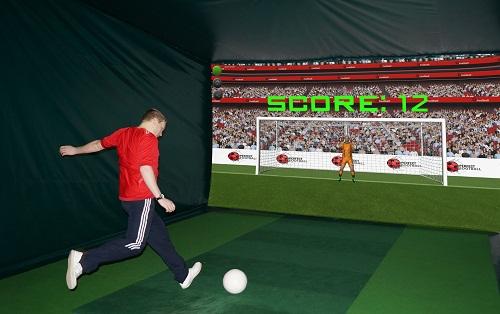 Spela fotboll och andra sporter i din Golfsimulator