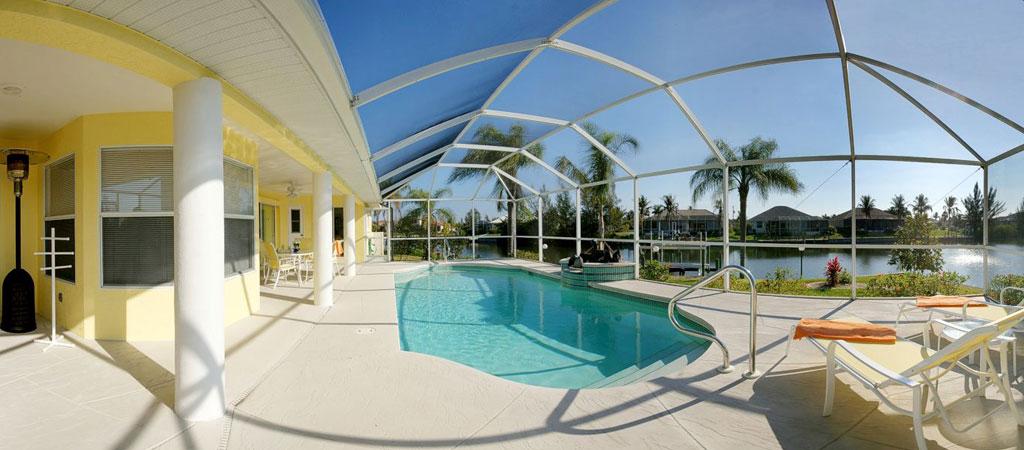 Hyr Villa Manatee och spela golf i Florida